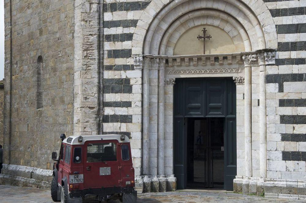 commenter >  Piazza San Giovanni (dinanzi al battistero) < comment