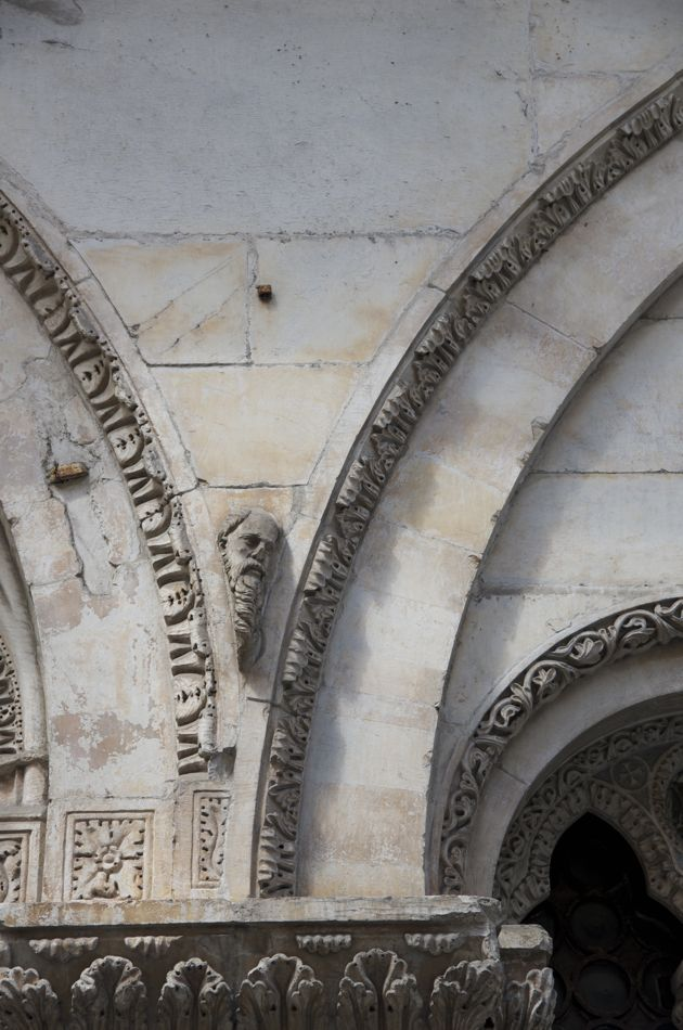 commenter > Via della Rosa (Santa Maria della Rosa) < comment