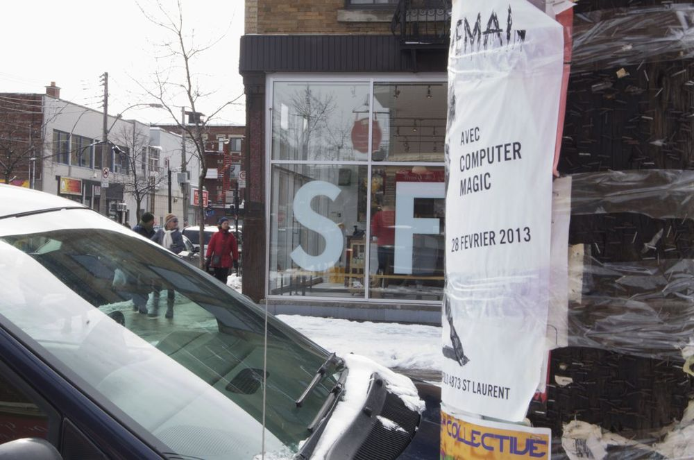commenter >  Rue Jeanne-Mance et rue St-Viatuer (SF)  < comment
