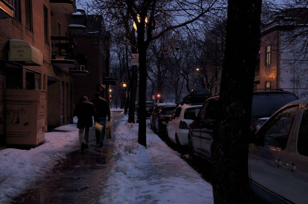 commenter >  Avenue Duluth (à l'approche de la nuit)  < comment