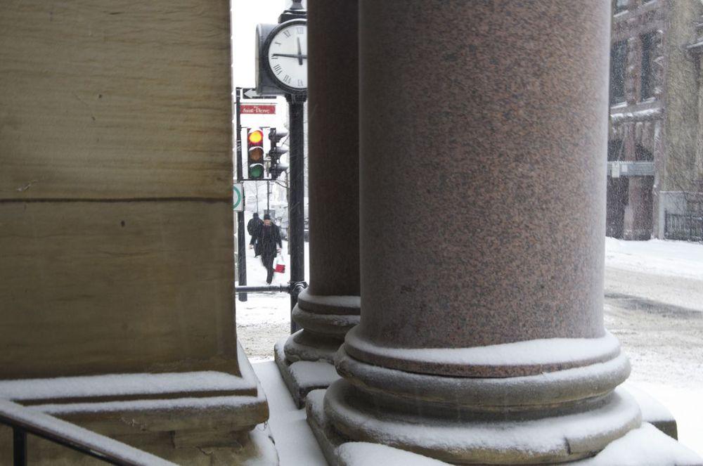 Rue St-Jacques (les colonnes Molson), 1/2
