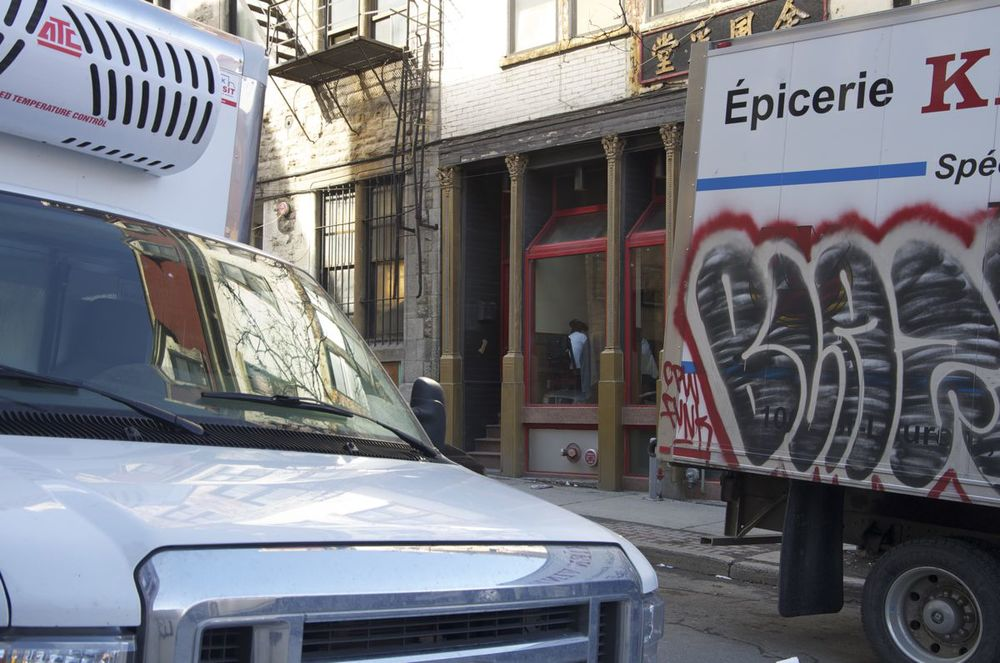 commenter > Rue Clark (les camions de livraison), 2/2 < comment