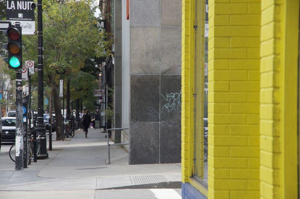 Boulevard St-Laurent et rue St-Cuthbert (vers le sud)