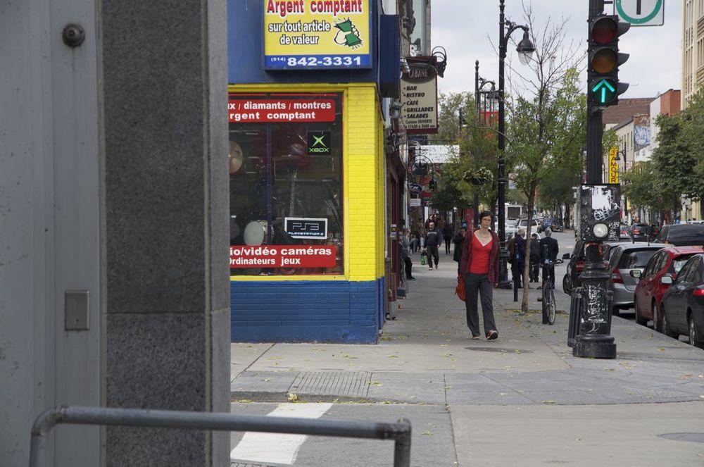 Boulevard St-Laurent et rue St-Cuthbert (vers le nord)