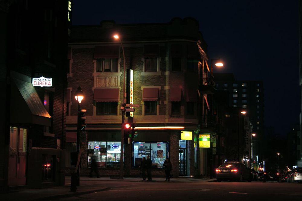 Rue St-André et boulevard de Maisonneuve (les petits hotels)