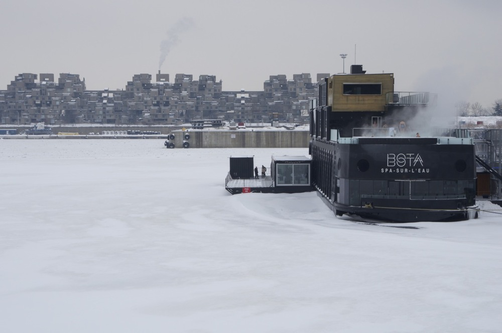 Spa sur l'eau glacée, bassin du Vieux-Port