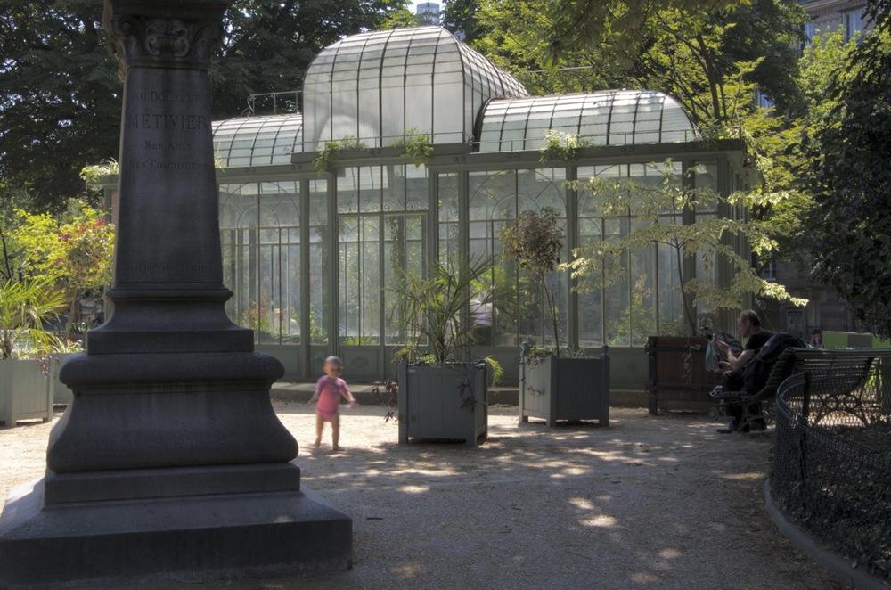 Enfant au Square Edouard Vaillant