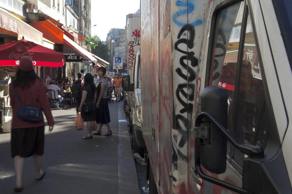 Trottoir, rue de Belleville