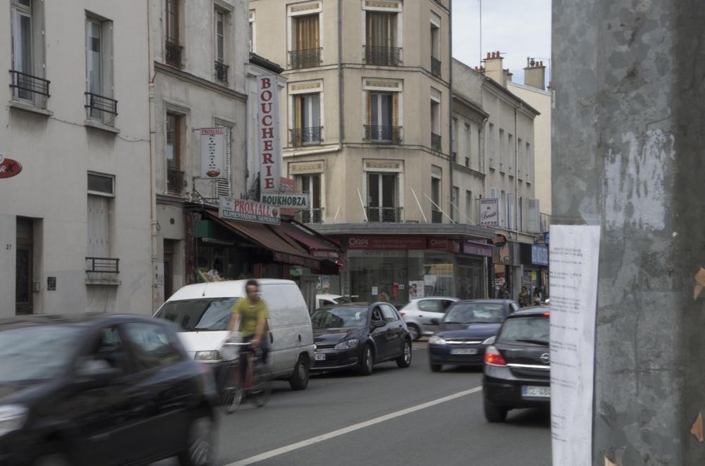 Cycliste, rue de Paris, Montreuil