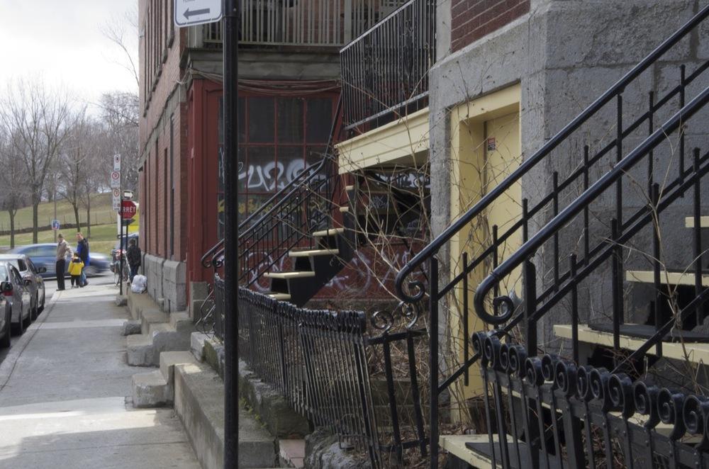 Du pied des escaliers, rue Hutchison