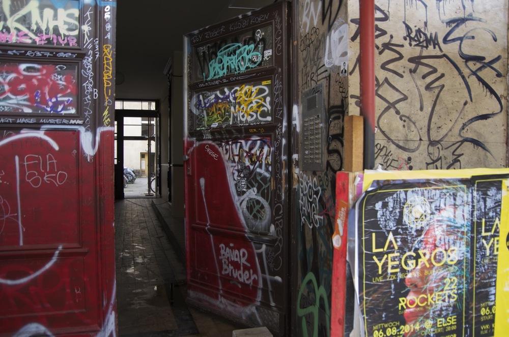 Übergang und graffiti, Scleisischestraße