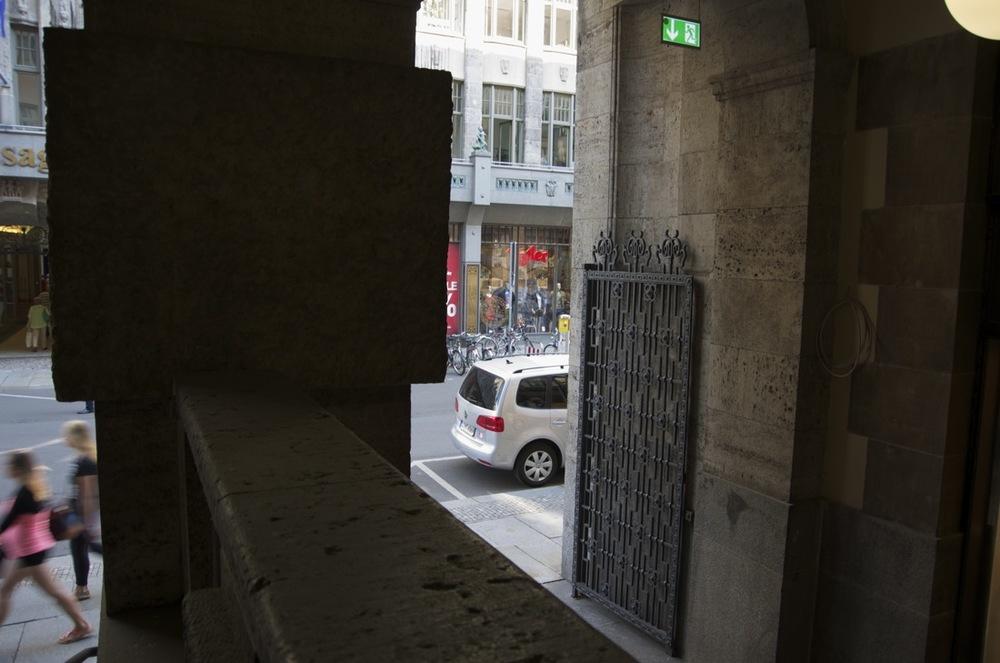 Ein schmiedeeisernes Tor, Neumarkt