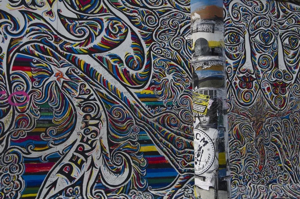 Plakaten und Wandgemälde, East Side Gallery, 2/2