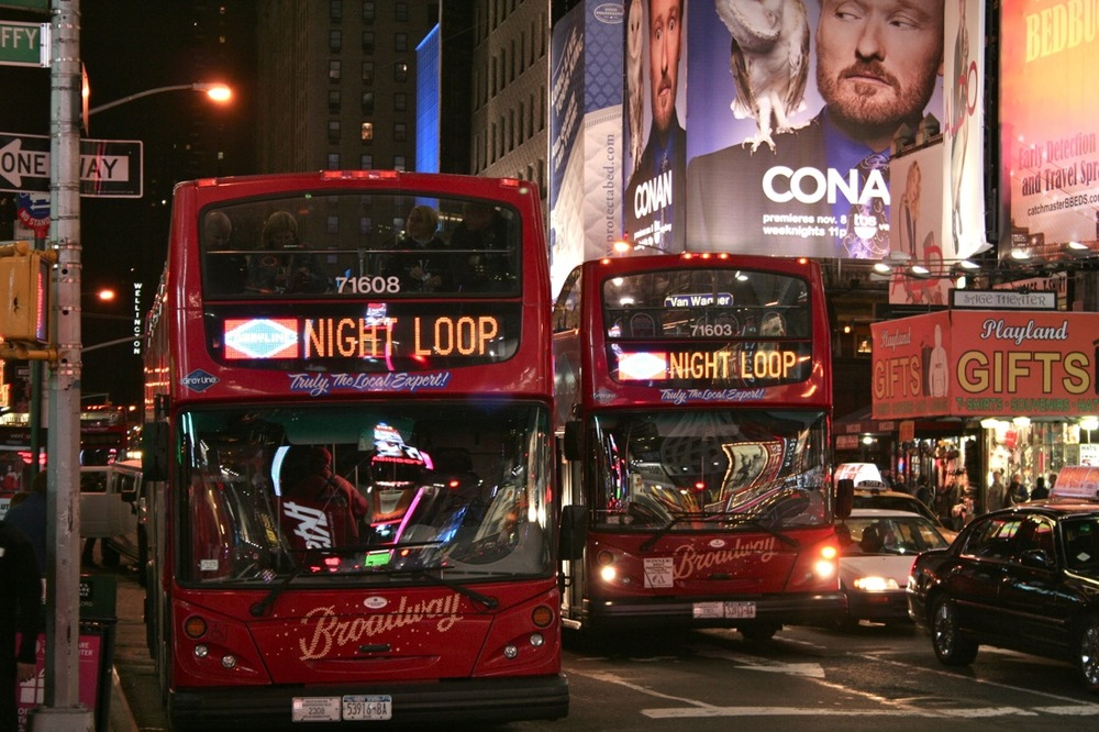 Midnight on Times Square, series 2, 1 of 2 ( The Night Loop Busses )