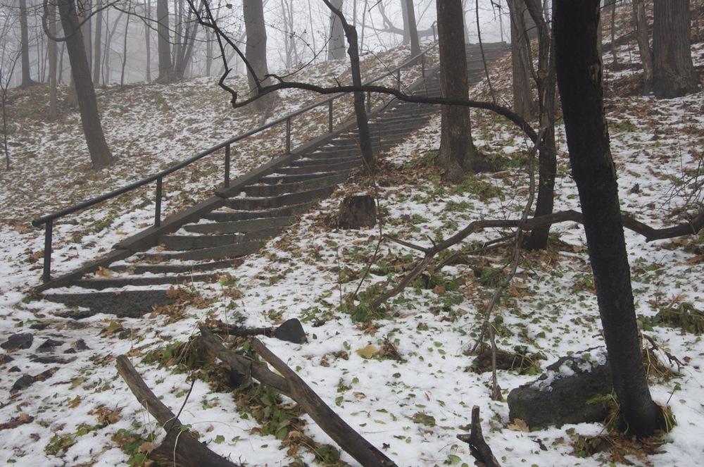 Escalier enneigé, parc Thérèse-Casgrain, 2/2