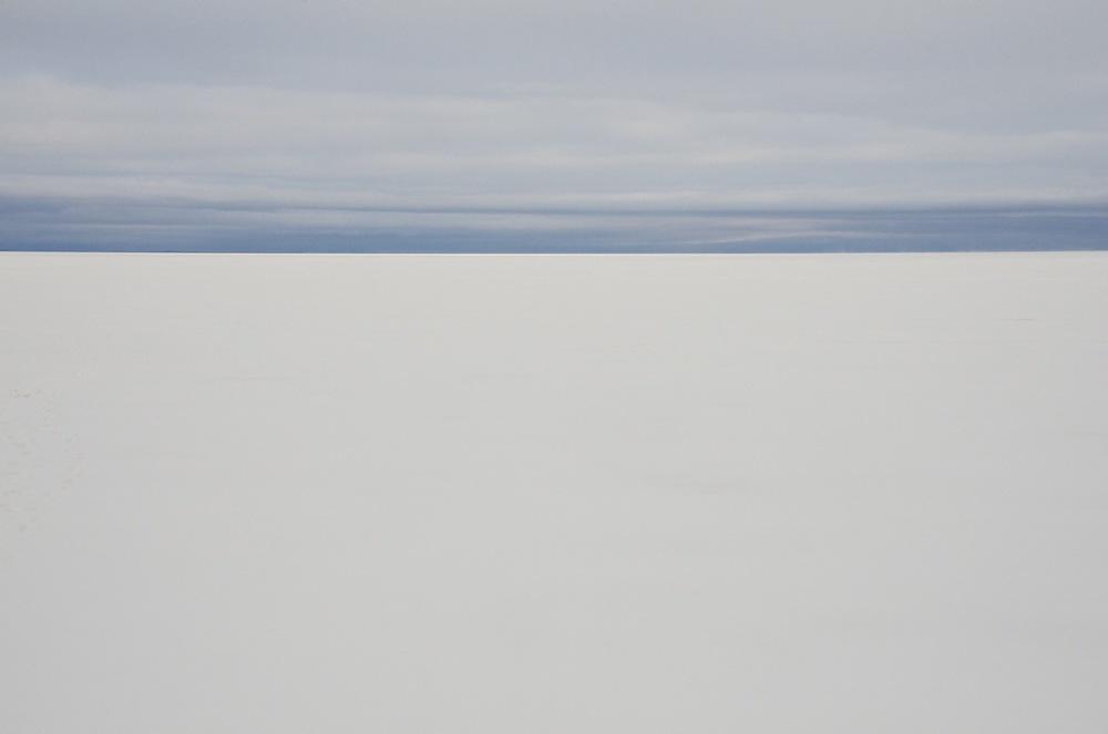 Le lac enneigé en milieu d'après-midi, Lac St-Jean