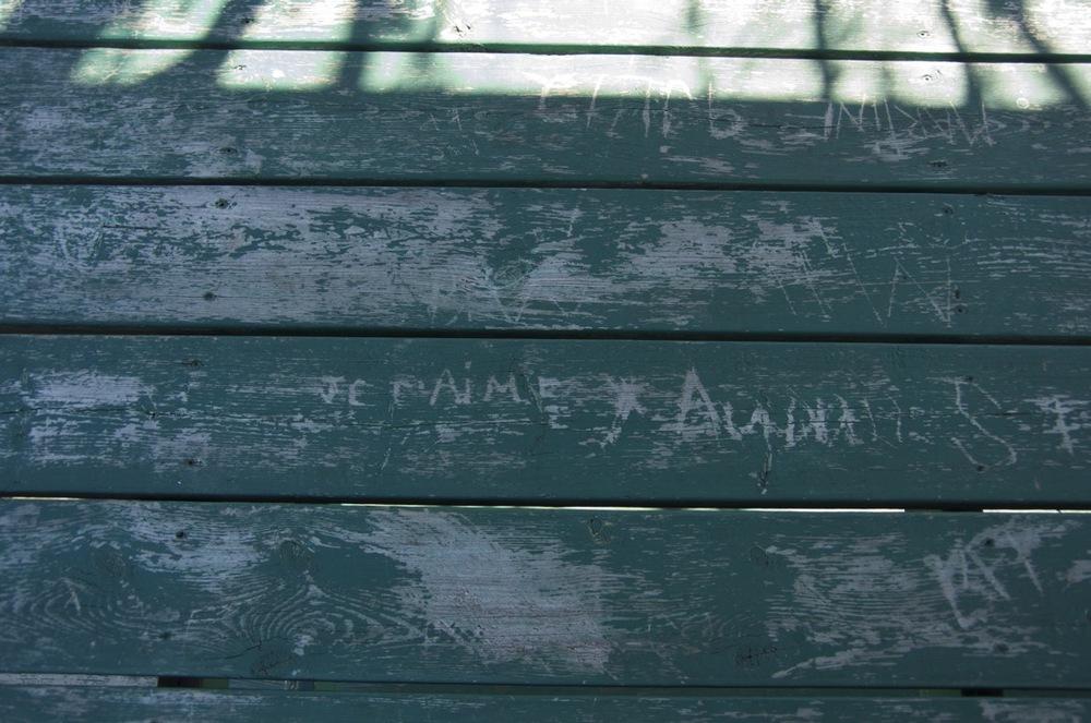 Je t'aime (sur une table verte)