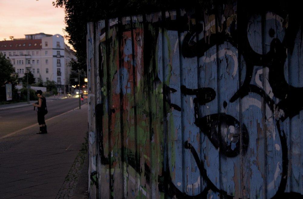 Stehende Frau, Modersohnstraße