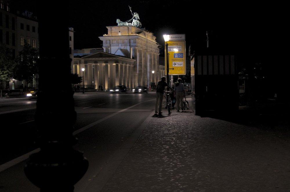 Branderburger Tor, Ebertstraße