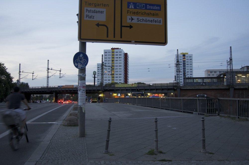 Beschilderung und skyline, Michaelkirchstraße