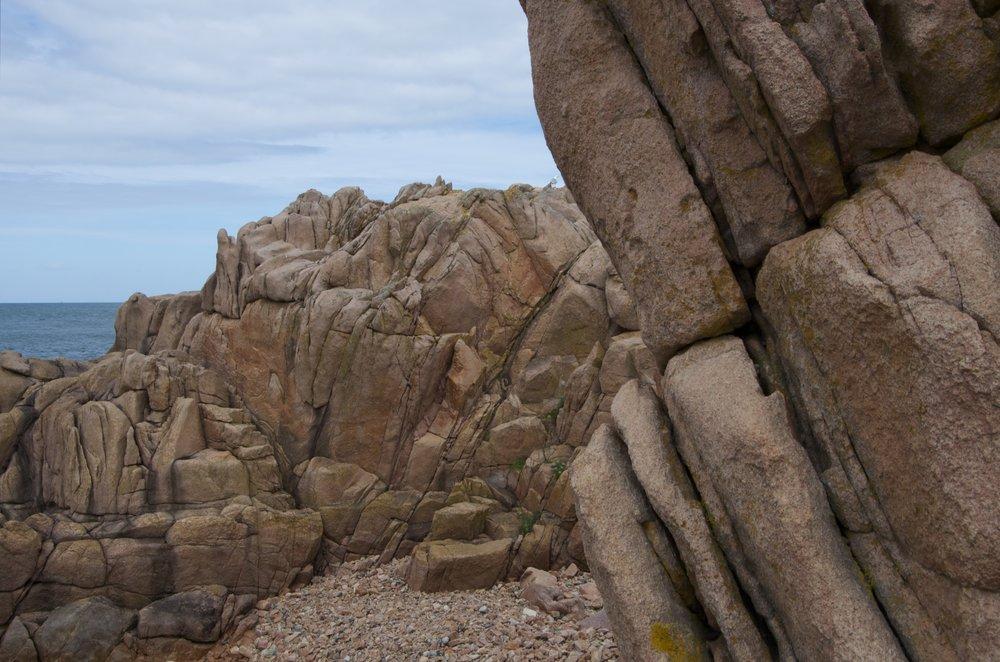 Le granite rose, côte est du Penn, île de Bréhat