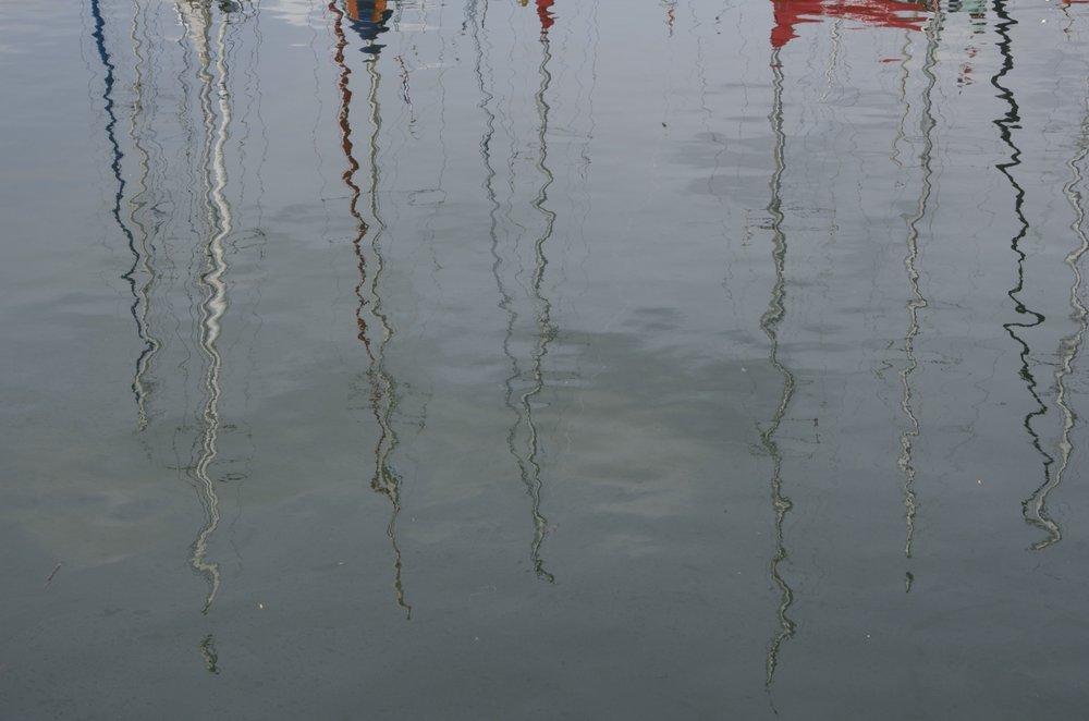 Réflections, quai Loti, Paimpol, 1/2
