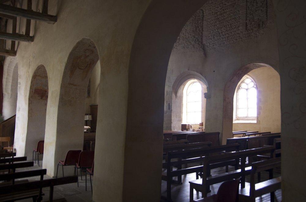 Sous les arches, église Saint-Gal, Langast, 1/2