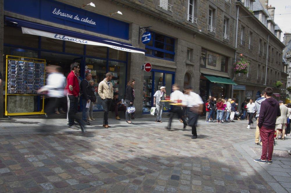 Course des garçons de café, Rue Porcon-de-la-Barbianis, St-Malo 2/2