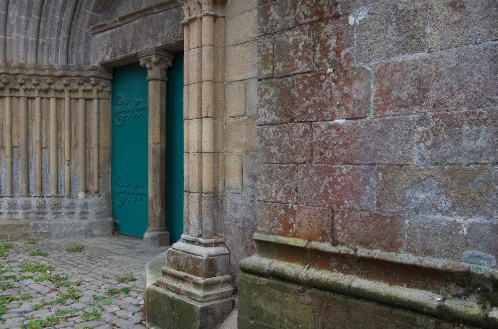 Porche nord, Collégiale Notre-Dame, Lamballe, 2/2