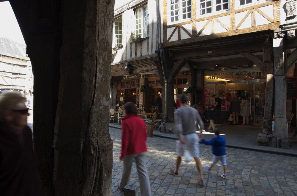 Rue de l'Apport, Dinan, 2/2