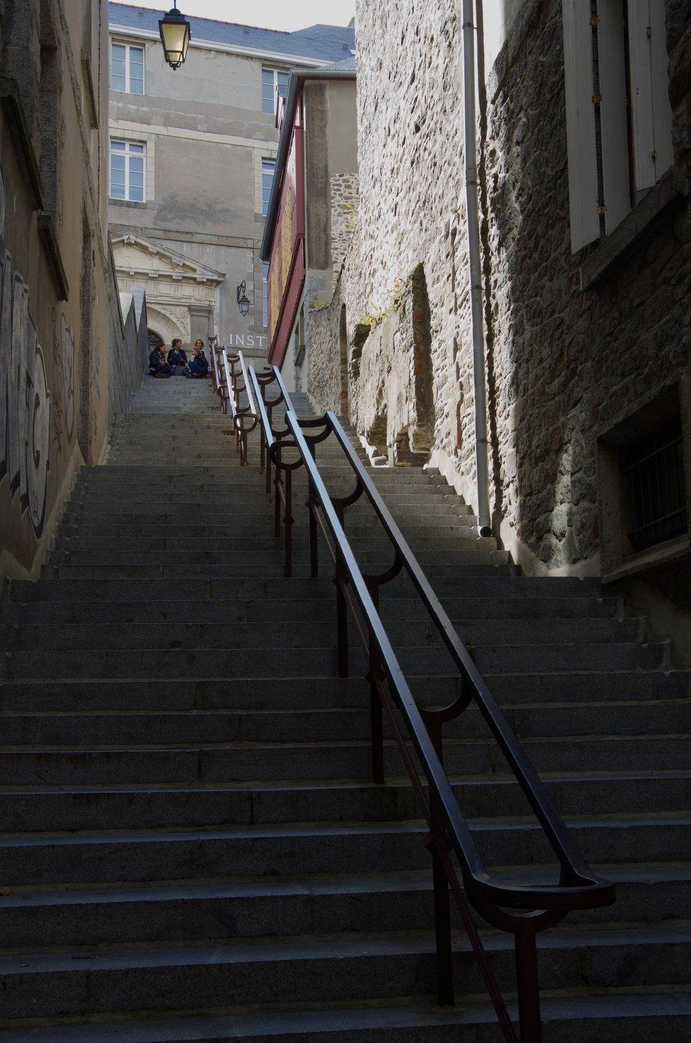 Escalier vers la rue du Collège, St-Malo