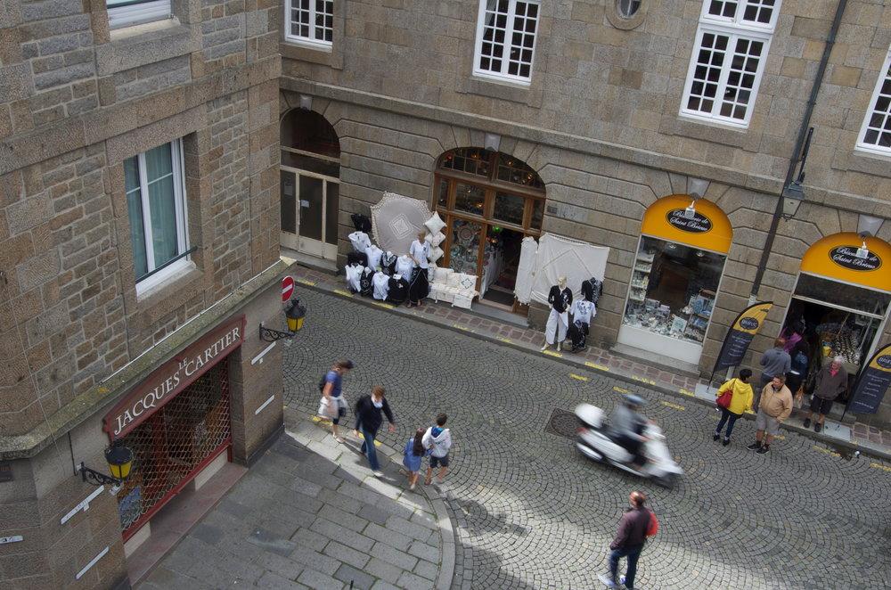 Rue Ste-Marguerite depuis les remparts, St-Malo