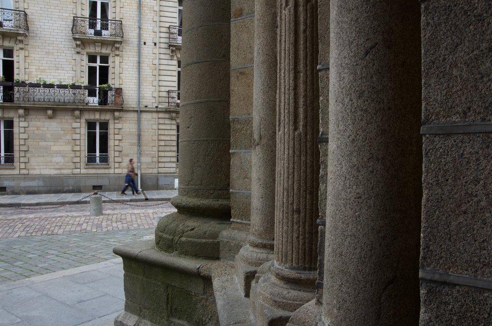 Carrefour de la Cathédrale, à la rue de la Monnaie, Rennes