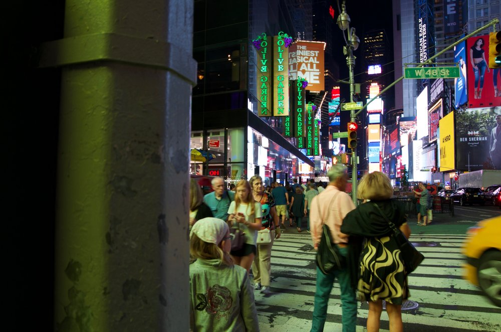 Midnight on Times Square, Series 19 2/2