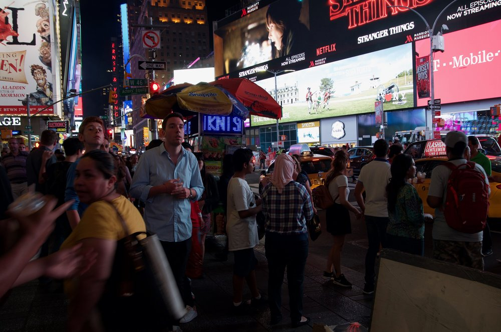 Midnight on Times Square, Series 20, 2/3