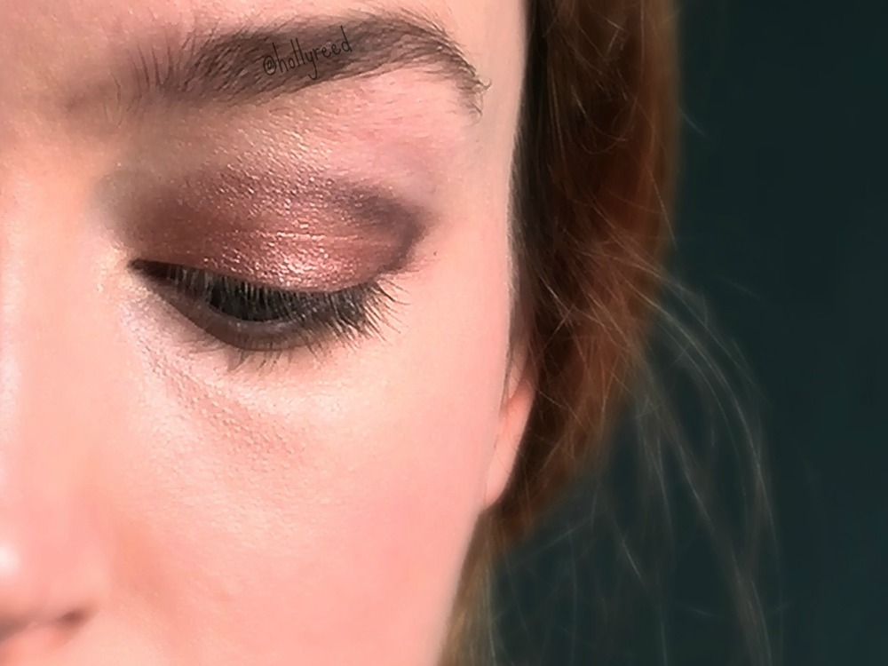 Natural, flattering, everyday makeup Cut Crease