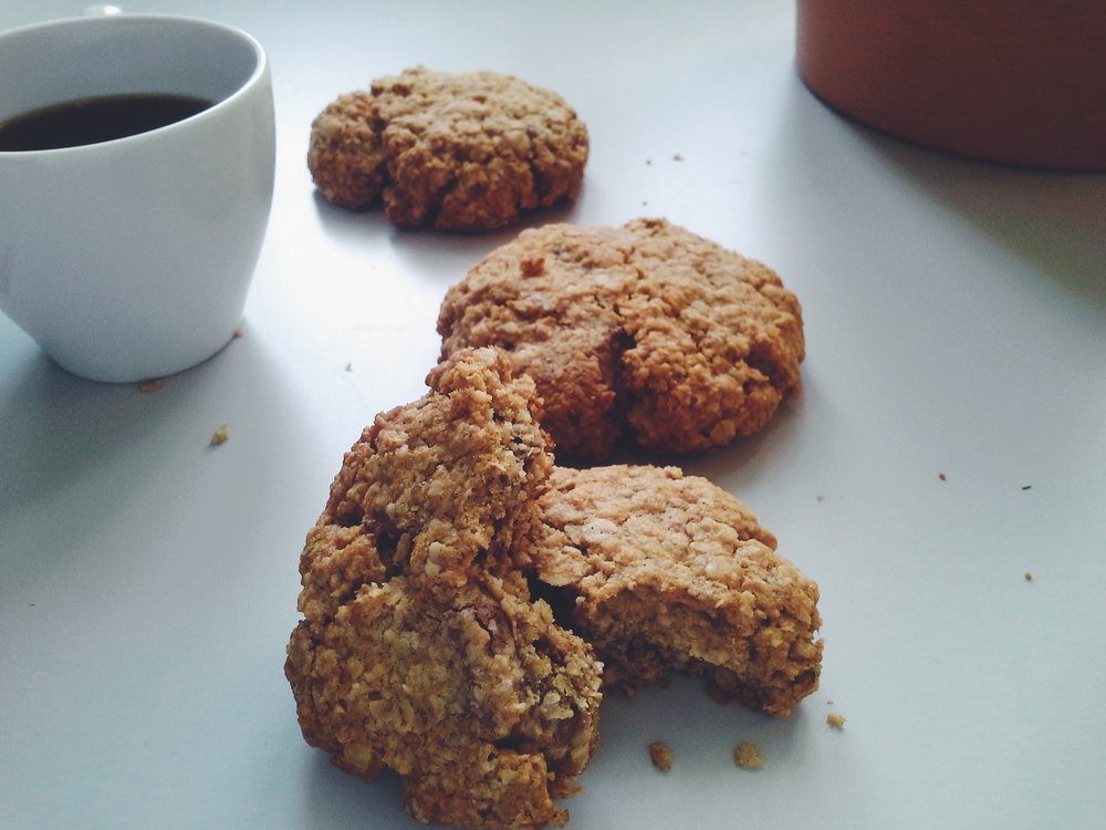 Healthy Chocolate Chip gluten free Oat Cookies (made with coconut oil)