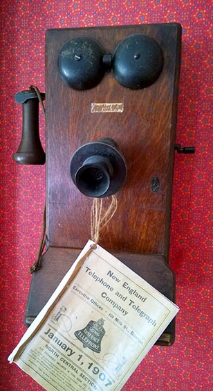Frost farm phone. Photo by Brian Patton.
