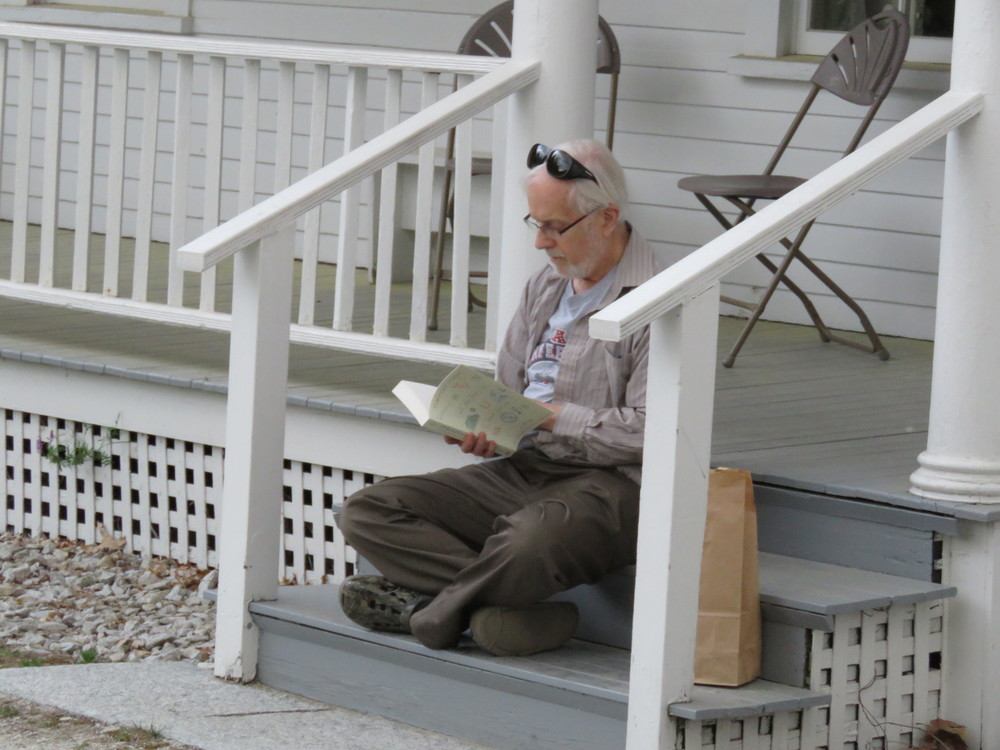 What can be more perfect than reading Steele on Frost's porch?