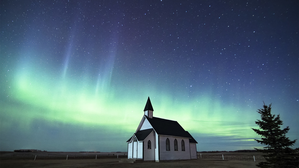 Chapel near Zehner, Saskatchewan | Canon 70D + Tokina 11-16 | 11m @ f/2.8 ISO3200 10s