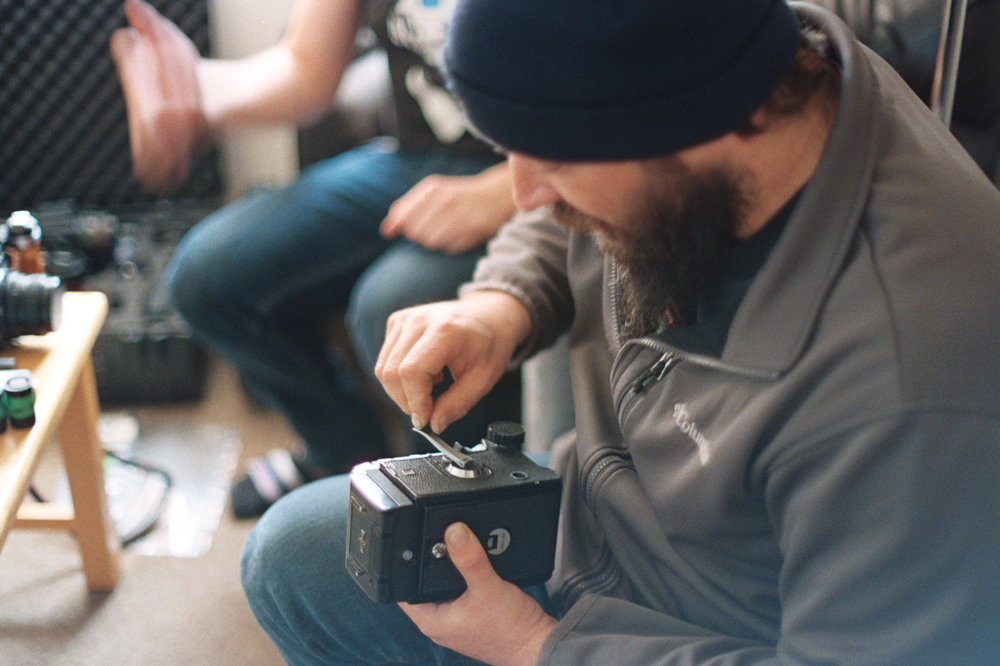 Jamie getting sorted with the Mamiya | Nikon FM3A + Nikkor 50/1.2 | Lomography Color 800