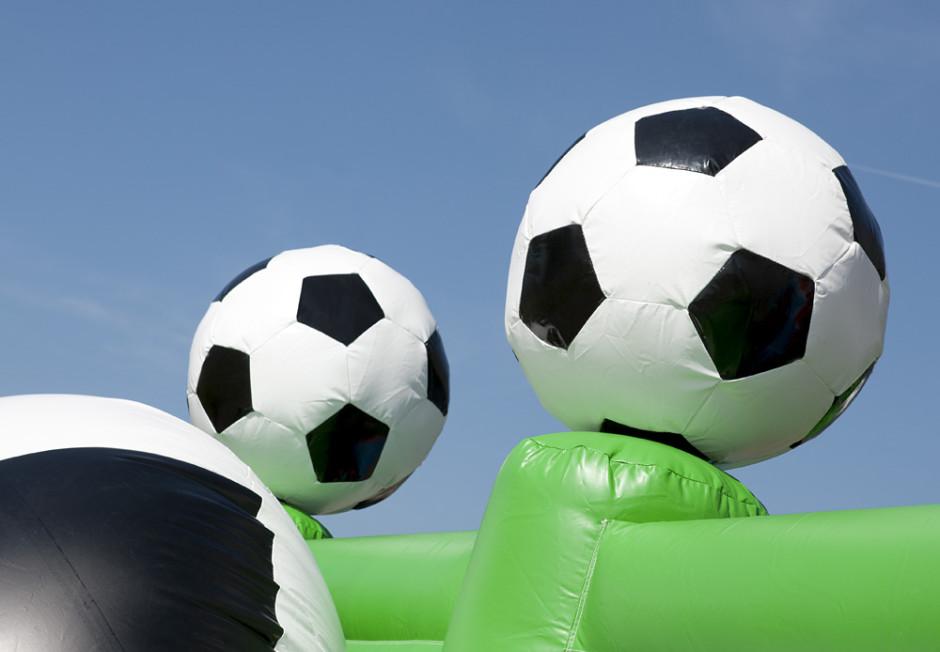 springkasteel-multiplay-voetbal-3-940x652.jpg