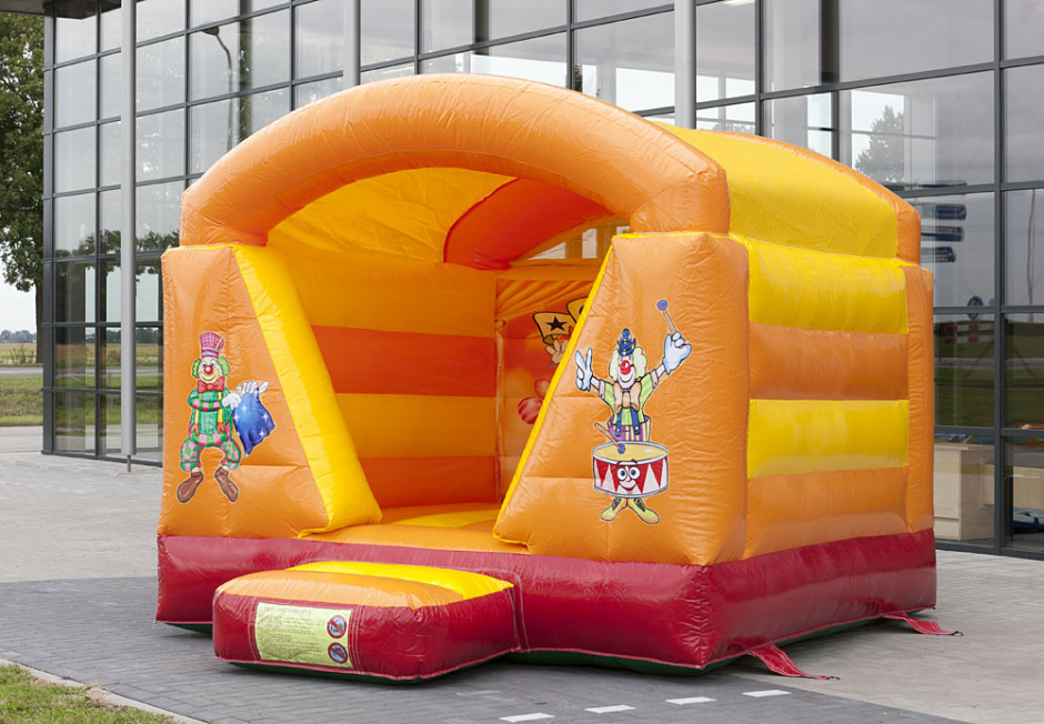 mini-springkasteel-circus-overdekt-4-940x652.jpg