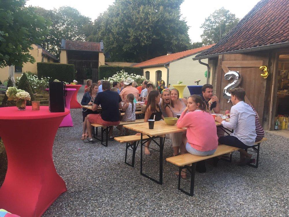 Verhur tafels en stoelen antwerpen Mechelen en Brussel