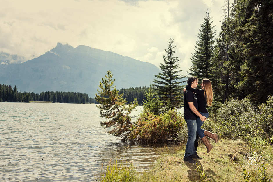 Banff National Park Engagement - The 38 Photography7.jpg