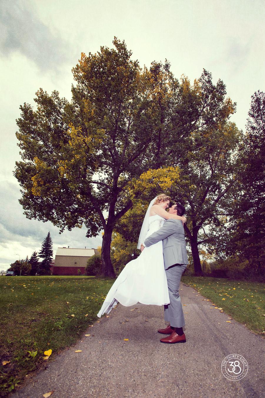 The38Photo_wedding_day_Calgary_22.jpg