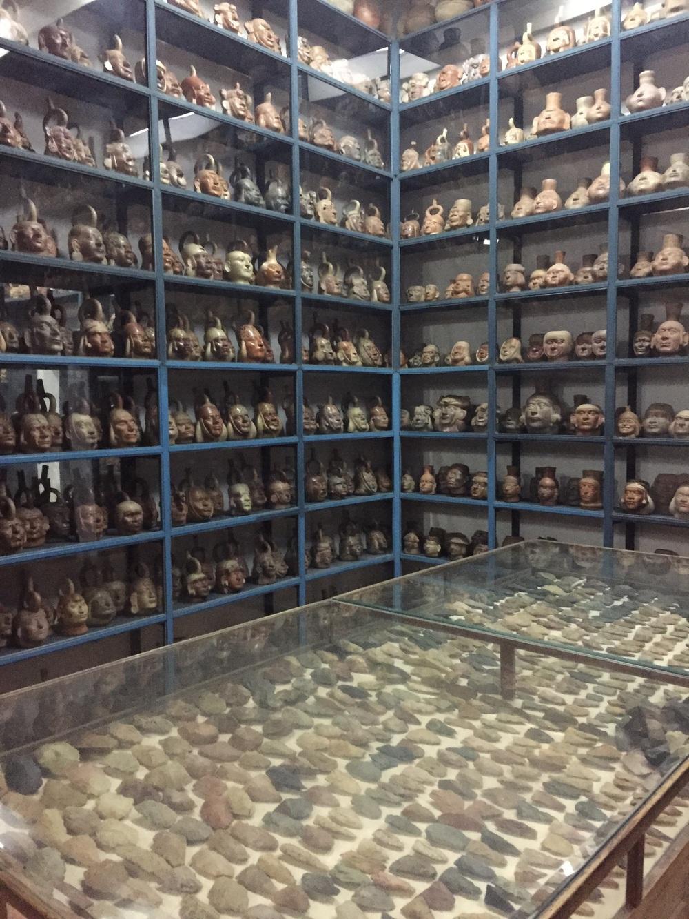 The Museum Deposit os open to the public en has over 39000 original ceramic pieces. El depósito del museo esta disponible al público y tiene mas de 39000 piezas originales de cerámica.