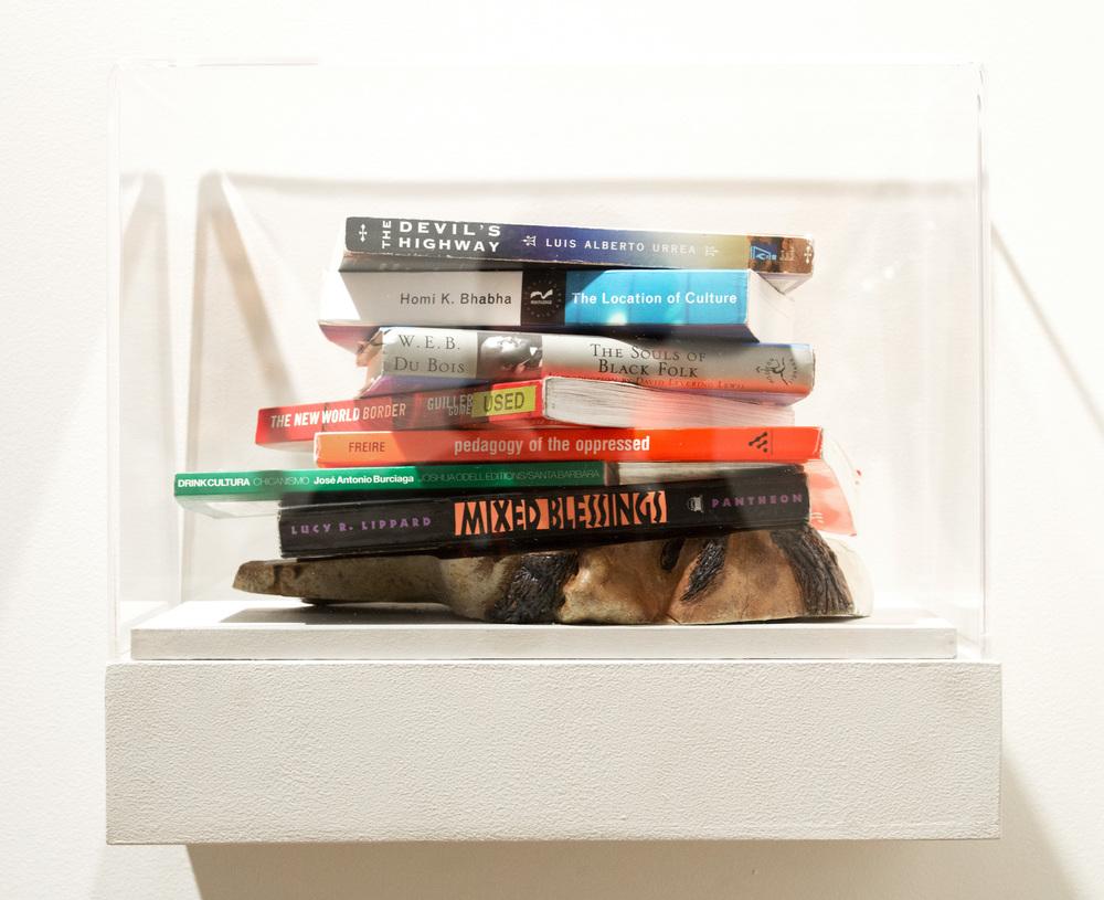Reading Makes You Smarter/Leer quita lo pendejo