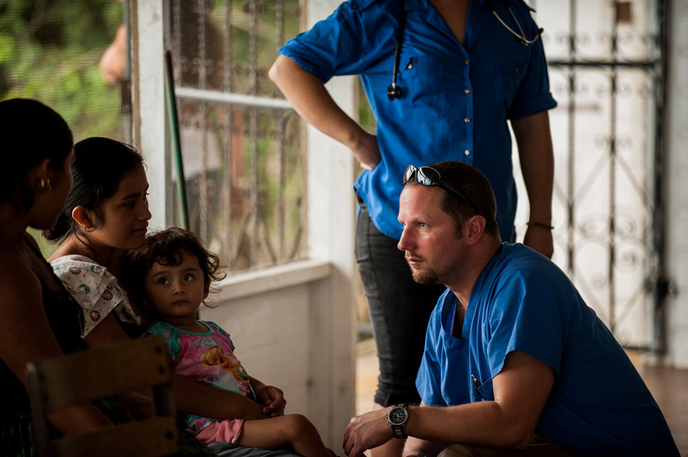 Casa-Guatemala_Medical-Volunteer-Helping-Young-Girl.jpg