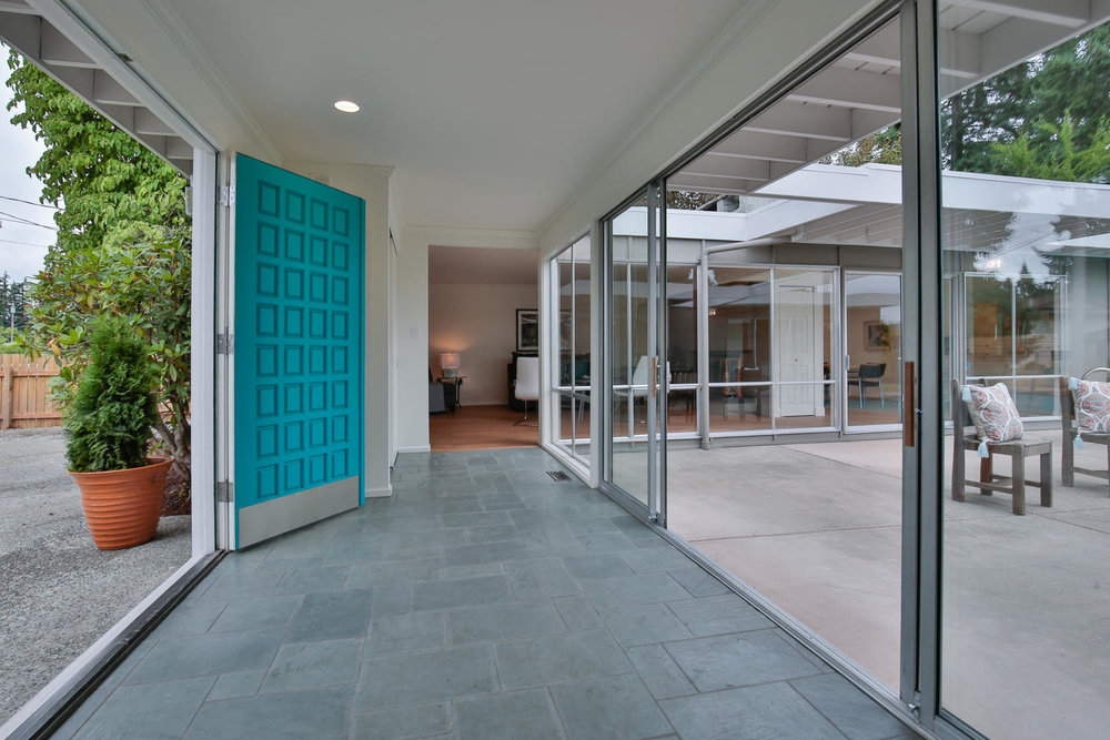602 165th Ave NE Bellevue WA-large-005-6-Foyer To North Wing-1500x1000-72dpi.jpg